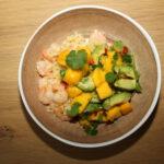 Bloemkoolrijst met garnalen en pittige mangosalsa